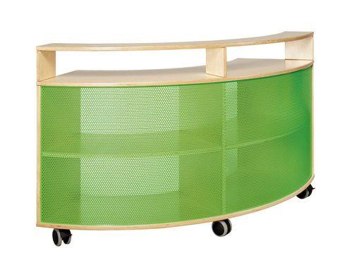 kita auf rollen. Black Bedroom Furniture Sets. Home Design Ideas