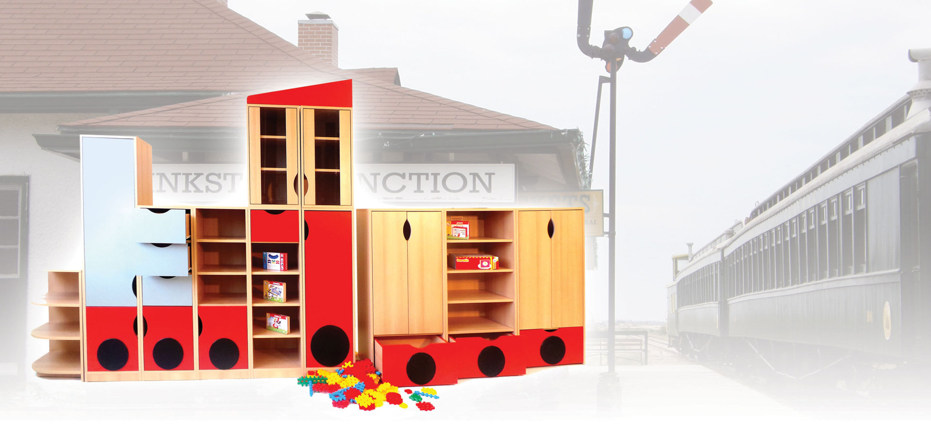 kita bonn modul m belset lokomotive 246 x 212 x 46 cm kindergarten kids und kita. Black Bedroom Furniture Sets. Home Design Ideas