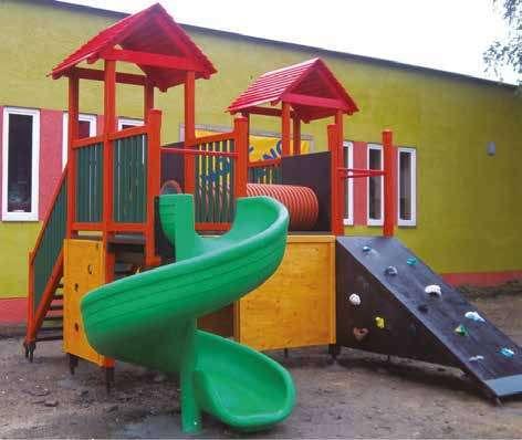 kita bonn spielplatz spielturm 2 t rme kindergarten kids und kita allyoureallyneed. Black Bedroom Furniture Sets. Home Design Ideas